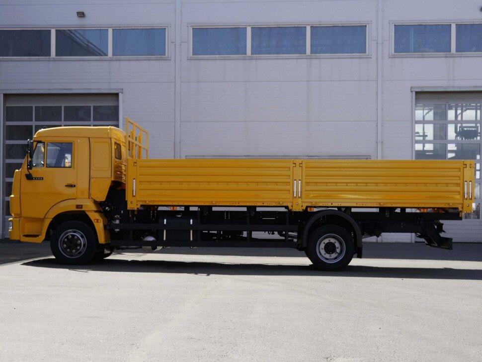 Бортовой КамАЗ 4308, 2018, желтый фото 4