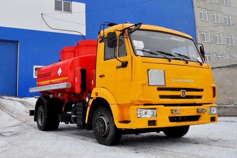 Автотопливозаправщик КамАЗ 4308, 2016, желтый фото 0