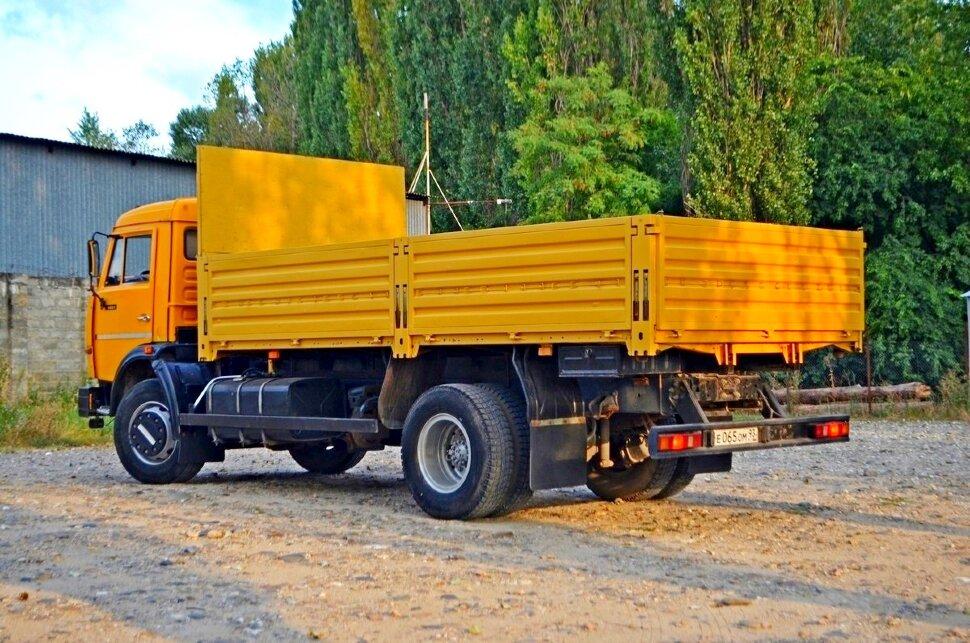 Бортовой КамАЗ 43253, 2015, желтый фото 3