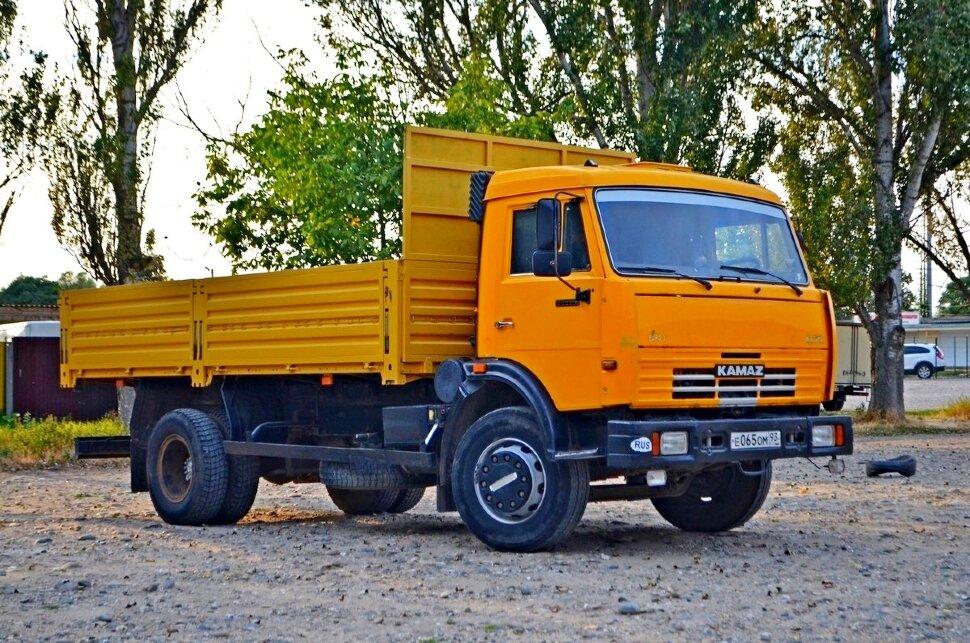 Бортовой КамАЗ 43253, 2015, желтый фото 0