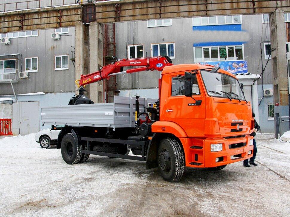 Бортовой КамАЗ 43253 с ГМУ, 2016, оранжевый фото 1