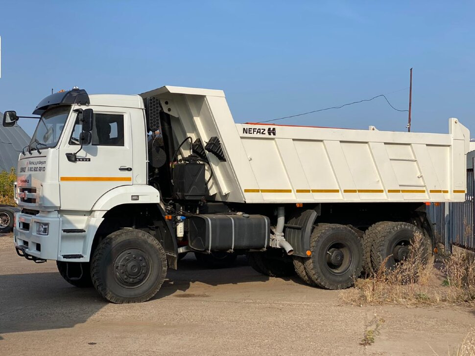 Самосвал КамАЗ 6522, 2013, белый фото 3