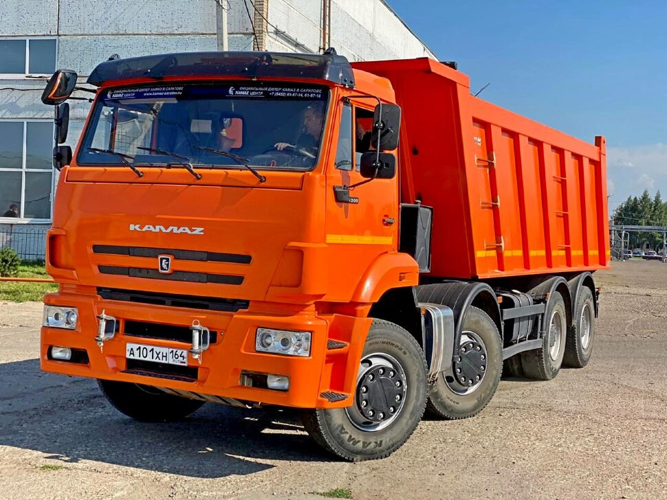 Самосвал КамАЗ 65201, 2017 г, оранжевый фото 1