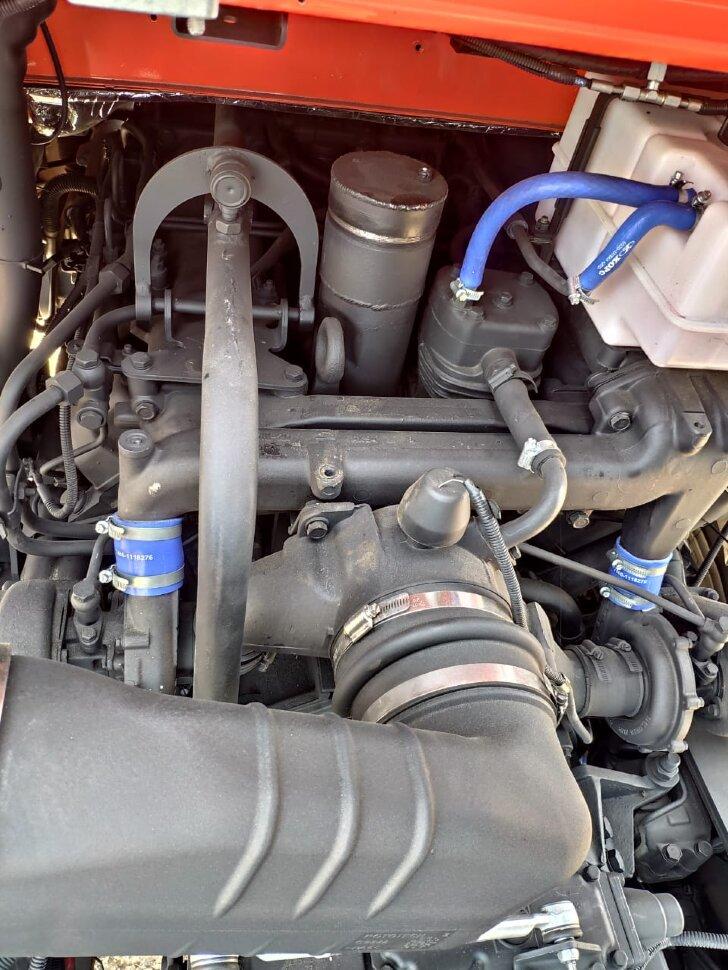 Седельный тягач КамАЗ 65221, 2011, оранжевый фото 23