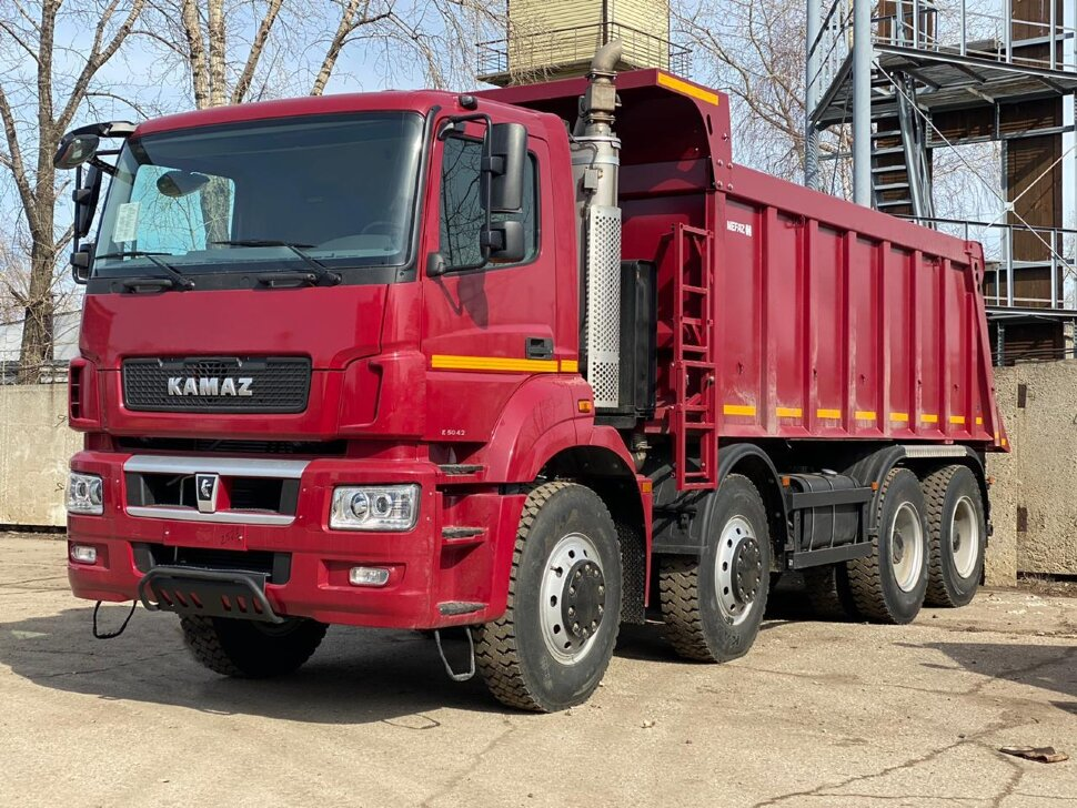 Самосвал КамАЗ 65801, 2018 г, красный фото 3