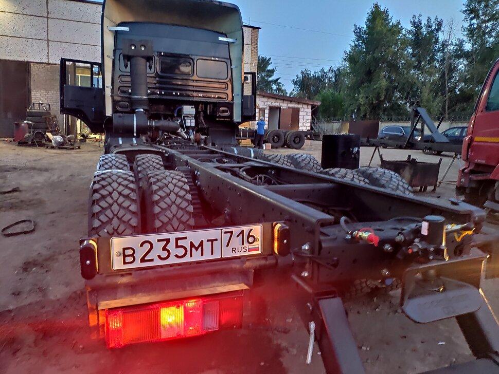 Шасси КамАЗ 6520, 2013, Черный фото 10
