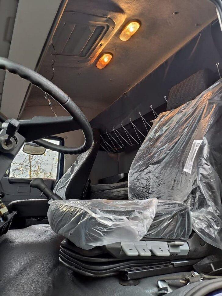 Седельный тягач КамАЗ 65225, 2011, дипломат фото 11