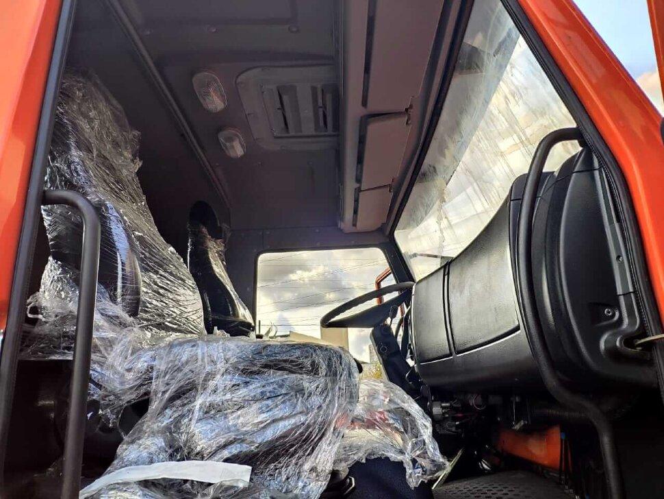 Седельный тягач КамАЗ 53504, 2018, оранжевый фото 9
