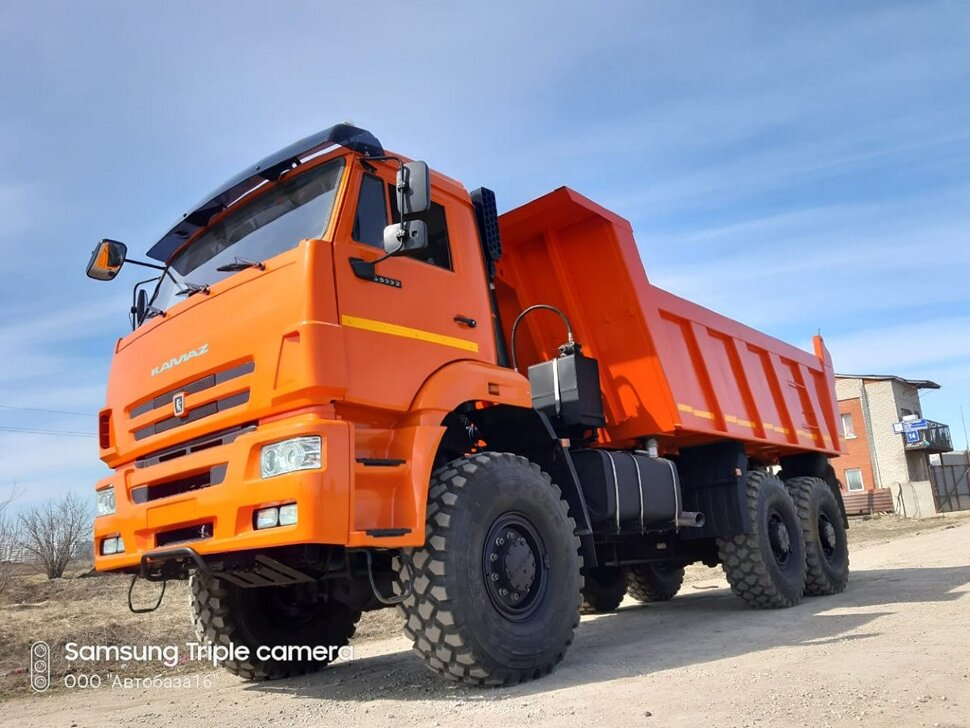 Самосвал КамАЗ 65222, 2015, оранжевый фото 9