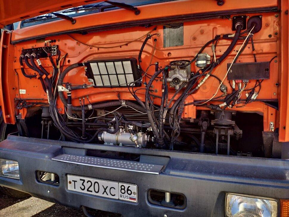 Автоцистерна бензовоз КамАЗ 65111, 2014, оранжевый фото 4