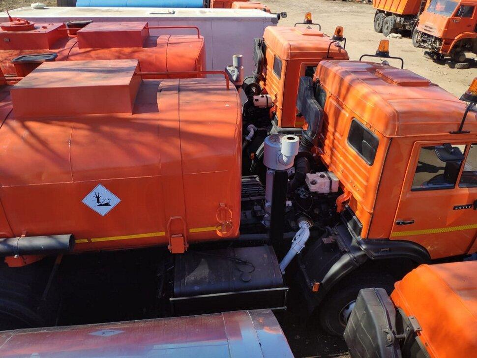 Автоцистерна бензовоз КамАЗ 65111, 2014, оранжевый фото 3
