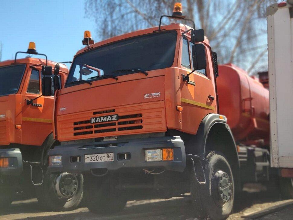 Автоцистерна бензовоз КамАЗ 65111, 2014, оранжевый фото 2