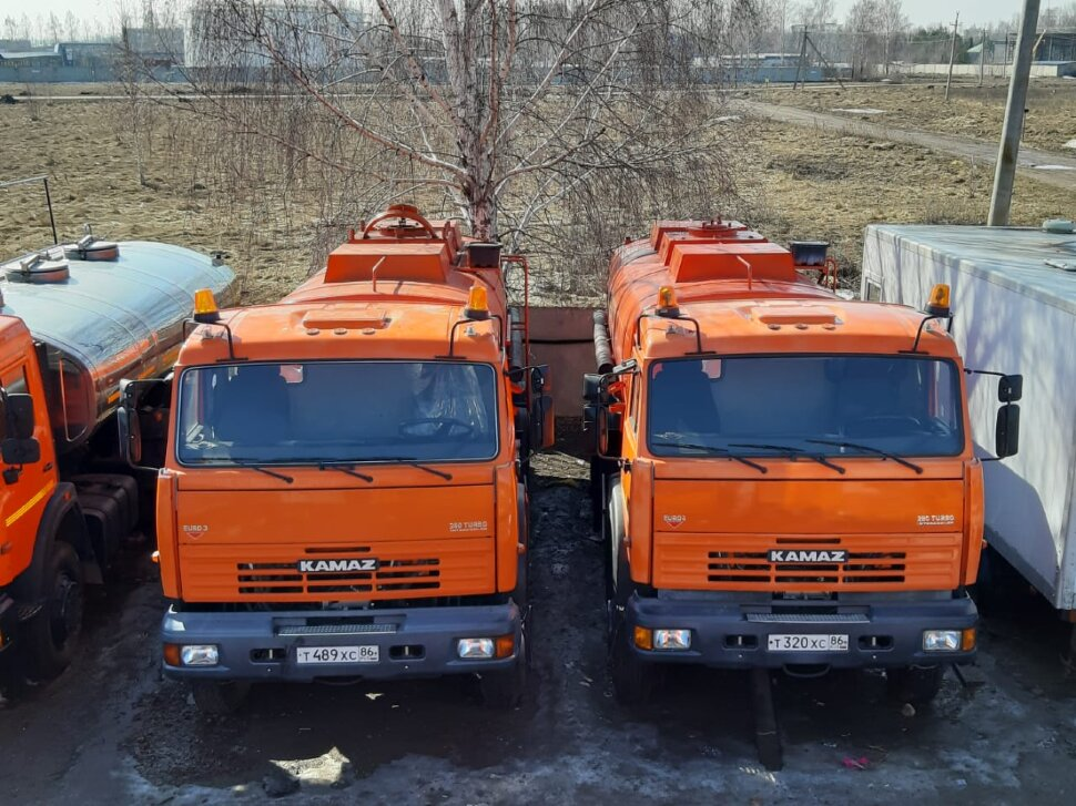 Автоцистерна бензовоз КамАЗ 65111, 2014, оранжевый фото 1