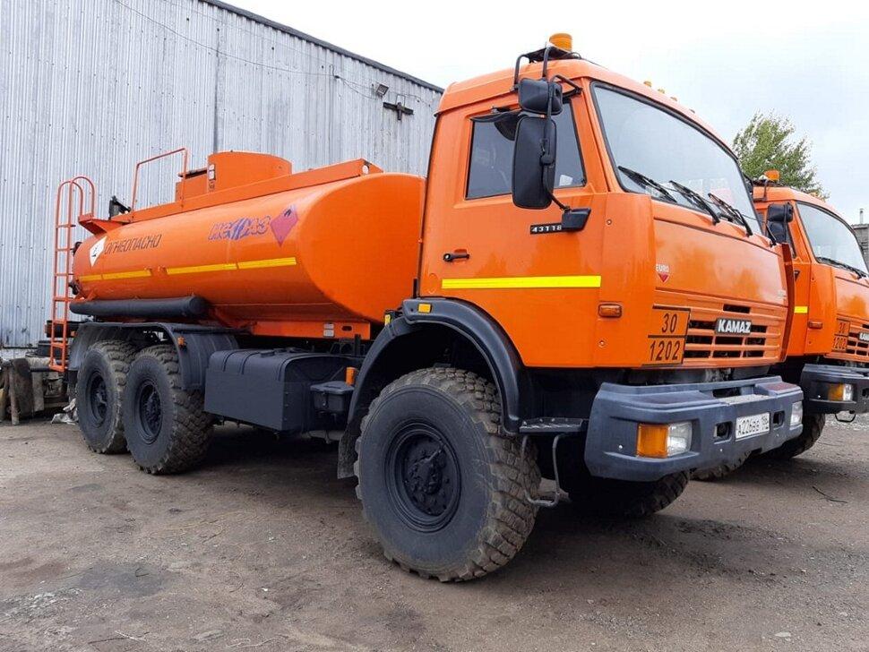 Автотопливозаправщик КамАЗ 43118, 2013, оранжевый фото 0