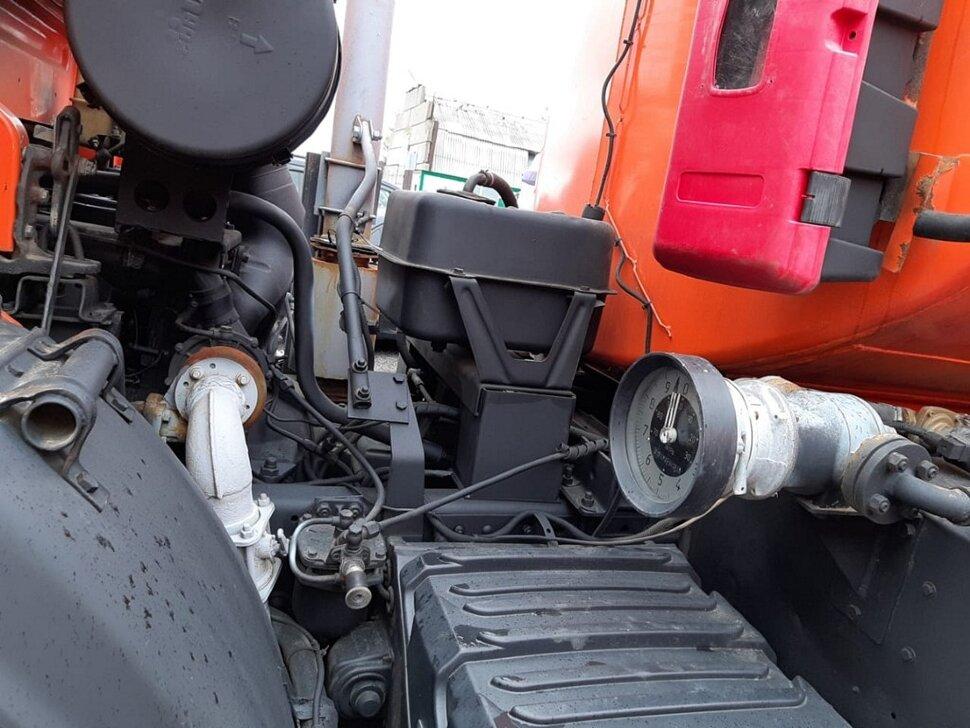 Автотопливозаправщик КамАЗ 43118, 2013, оранжевый фото 9