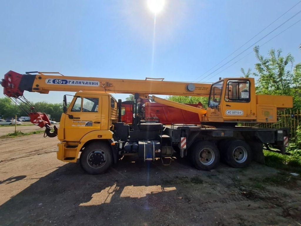 Автокран КамАЗ 65115 Галичанин 25т, 2018, желтый фото 6